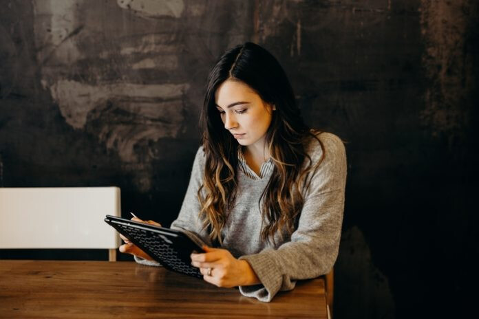 Communicating with Students Effectively During Online Learning Thumbnail